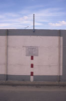The Berlin Wall : The Border;East Germany